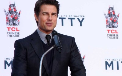How to look younger like tom cruise