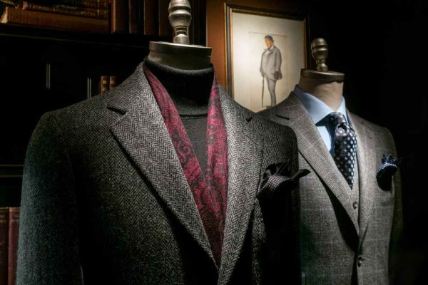 5 Men Suits You Should Have in Your Closet