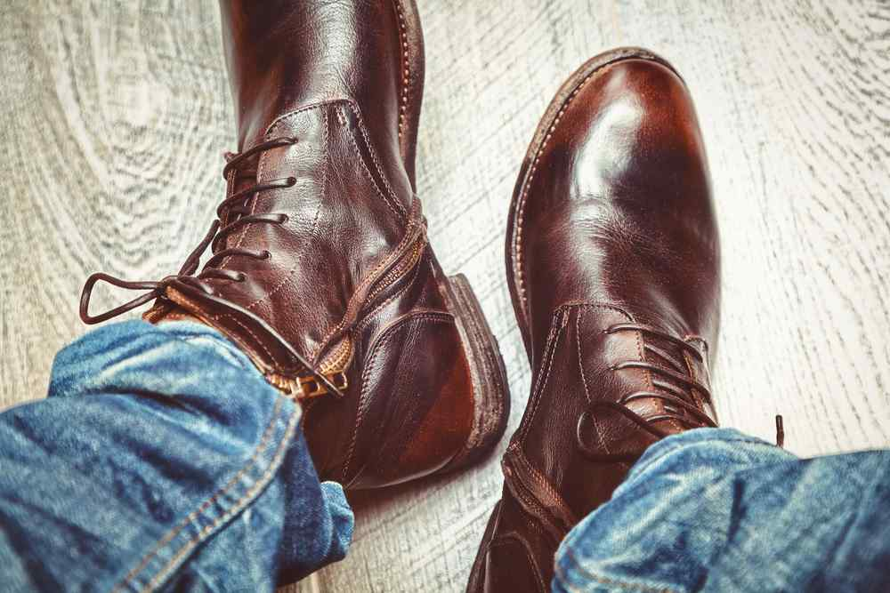 Hereu2018s How to Pair The Best Shoes with Jeans for Men